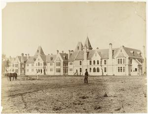 Sunnyside Lunatic Asylum in the 19th century. Image:  Te Papa O.034082.