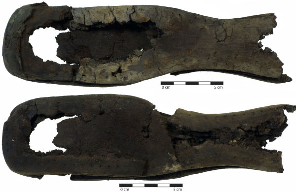 Figure 1. Straight last shoe with 30 mm sole waist. Image: C. Dickson.